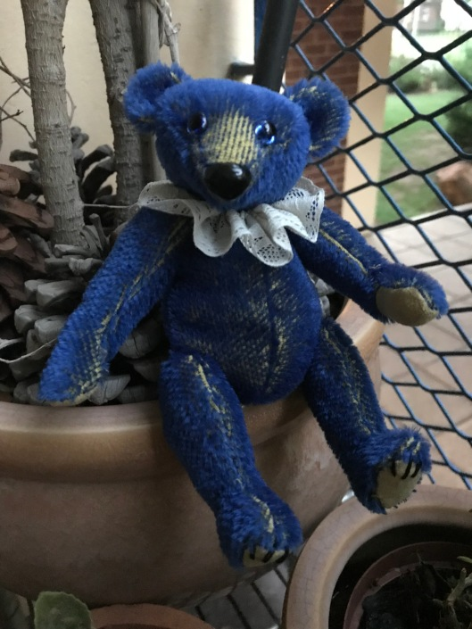 Old Blu Mini Bear